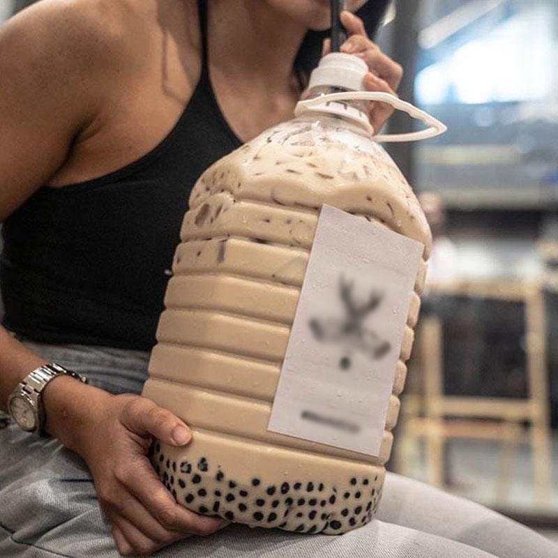 Xuất hiện ly trà sữa 1 lít size XXXL khiến team hảo ngọt đứng ngồi không yên-3