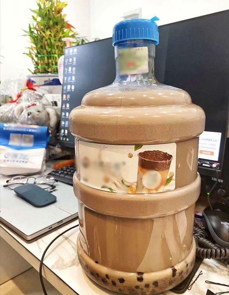 Xuất hiện ly trà sữa 1 lít size XXXL khiến team hảo ngọt đứng ngồi không yên-4