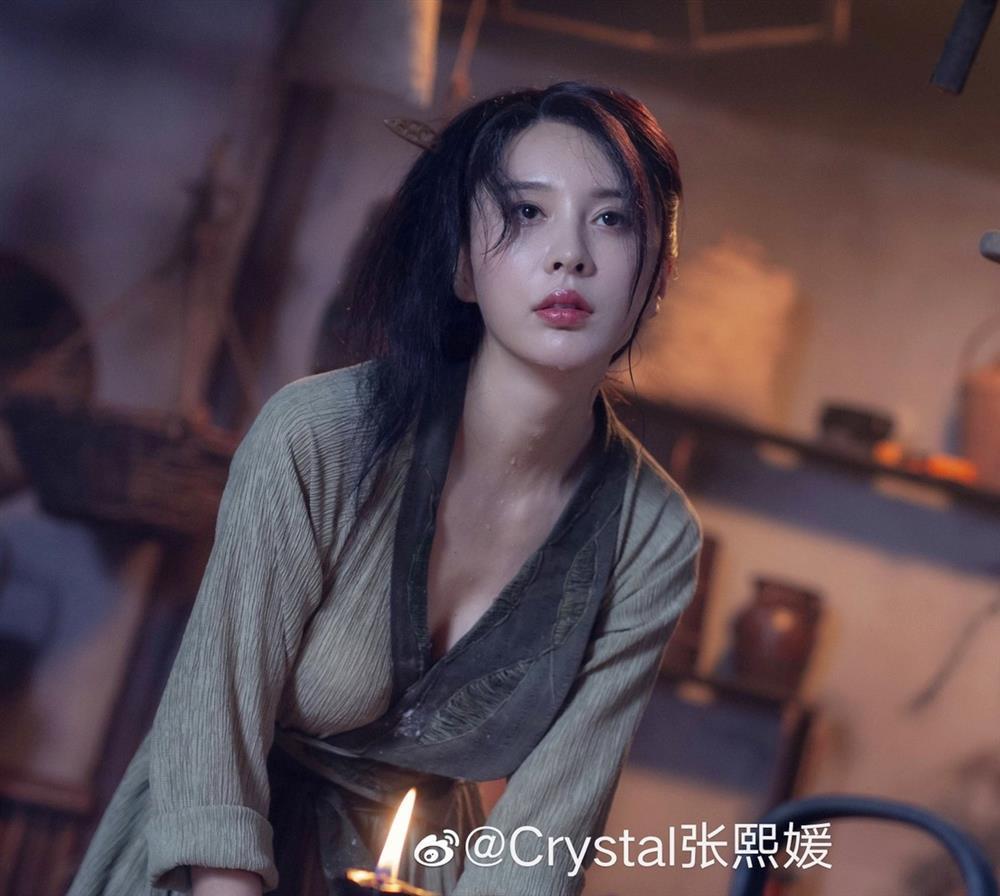 Những người đẹp bị chê khi vào vai Phan Kim Liên-1