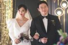 Đám cưới sặc mùi 'sát khí' của cặp đôi 'ác ma Penthouse'