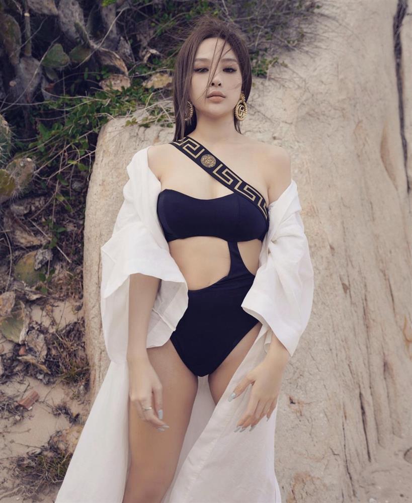 Sao Việt diện bikini: Lan Ngọc body nuột nà, Quỳnh Anh Shyn tạo dáng phản cảm-4