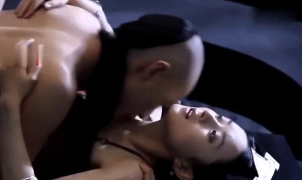 Cảnh nóng táo bạo của Triệu Lệ Dĩnh khiến bạn diễn nam bị phản ứng sinh lý-2