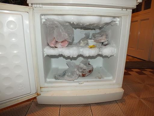 Chùm ảnh những chiếc tủ lạnh đông đá bá đạo chỉ vì khổ chủ cả năm không lau chùi-3