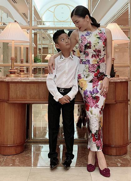 Cậu ấm cô chiêu nhà Lệ Quyên, Trương Ngọc Ánh dát hàng hiệu từ nhỏ-8