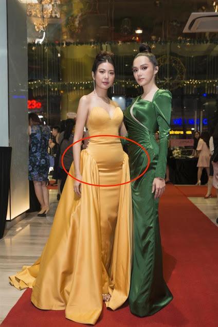 Diễm My 9X, Hồ Ngọc Hà lộ bụng lùm lùm vì chọn sai váy-8