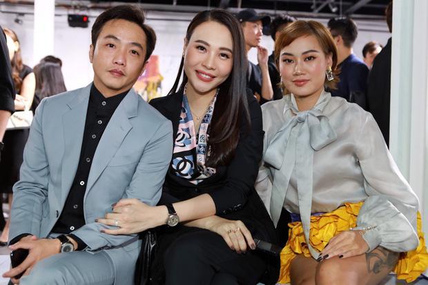 Đông Nhi - Đàm Thu Trang đụng hàng sandal 27 triệu nhưng style khác biệt-4
