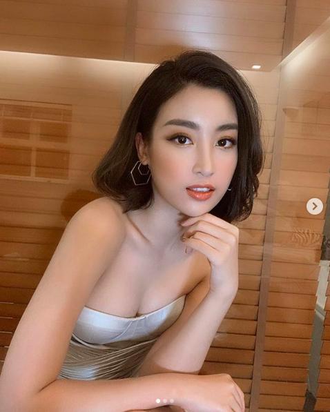 Tiểu Vy, Đỗ Mỹ Linh hở bạo liệt sau khi kết thúc nhiệm kỳ Hoa hậu-12