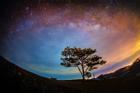 Dải Ngân hà rực sáng trên đảo Rhode, Mỹ