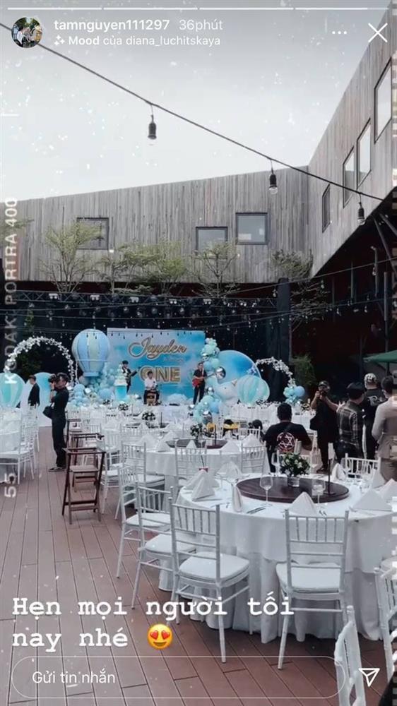 Con gái Minh Nhựa tổ chức tiệc sinh nhật 1 tuổi siêu to cho quý tử-1