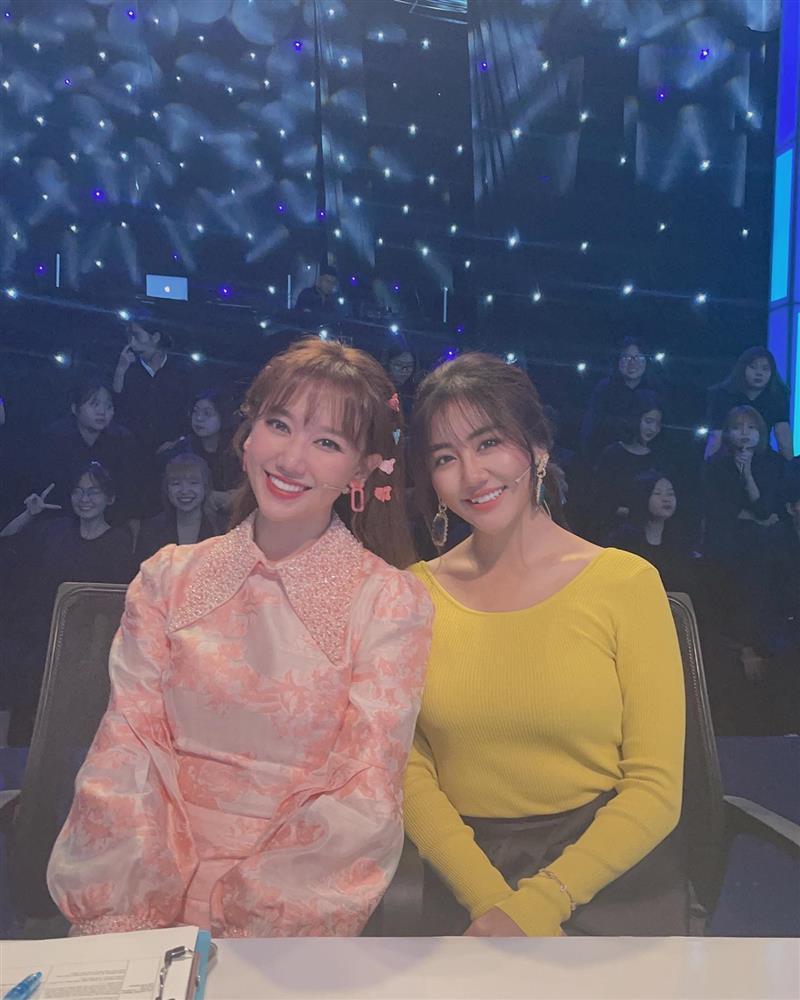 Văn Mai Hương gây lú trong bức ảnh chụp cùng Hari Won-1
