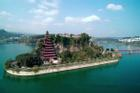 Ngôi chùa gỗ 12 tầng nằm giữa sông Dương Tử