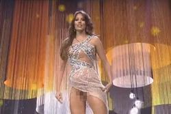 Hoa hậu Venezuela nghi lộ 'vùng cấm địa' trên sân khấu Miss Grand