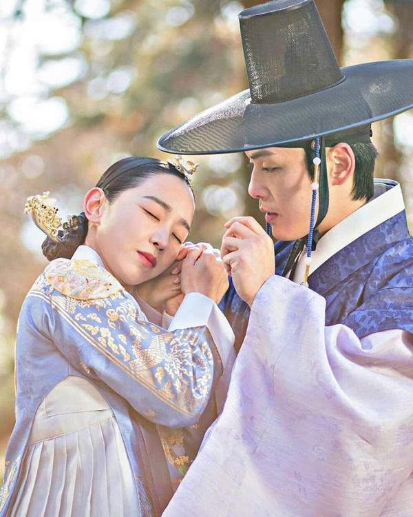 Shin Hye Sun bị tẩy chay vì đóng Mr. Queen-2