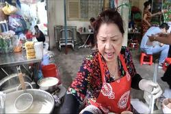 Tiệm mì 'chửi' nổi tiếng Sài Gòn, shipper bị chủ quán quát tháo, lăng mạ
