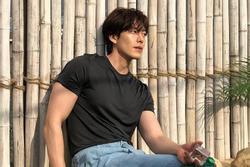 Từng suy nhược vì ung thư, Kim Woo Bin tái xuất với body 'đỉnh chóp'
