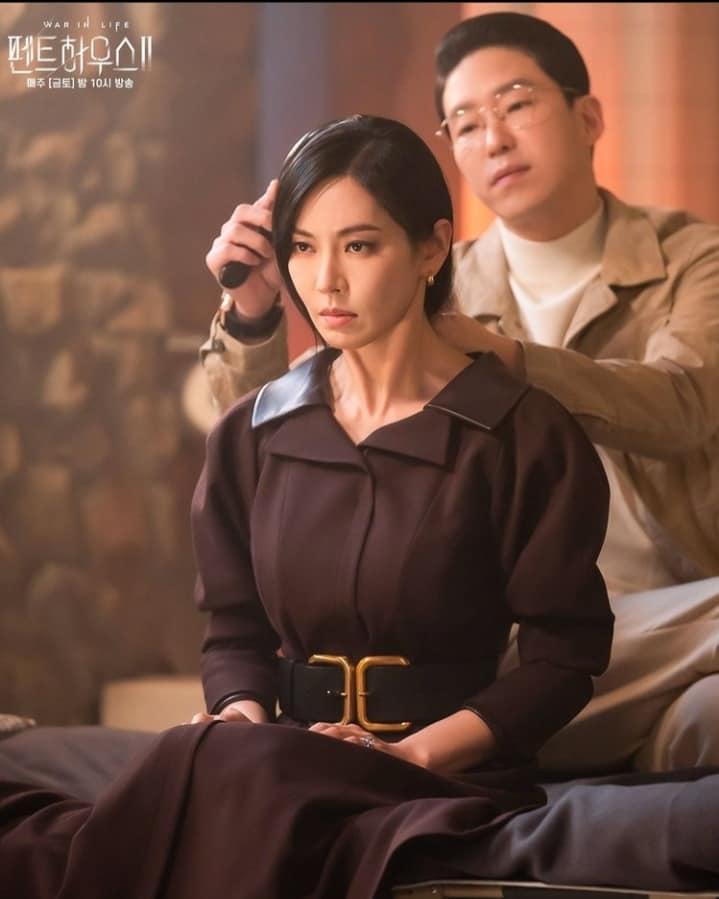 Ác nữ Cheon phải làm việc như người ở trong tập 11 Penthouse 2-1