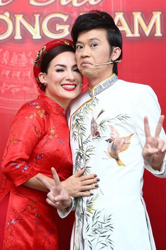 Phi Nhung từng 2 lần làm vợ của Hoài Linh trên màn ảnh-1