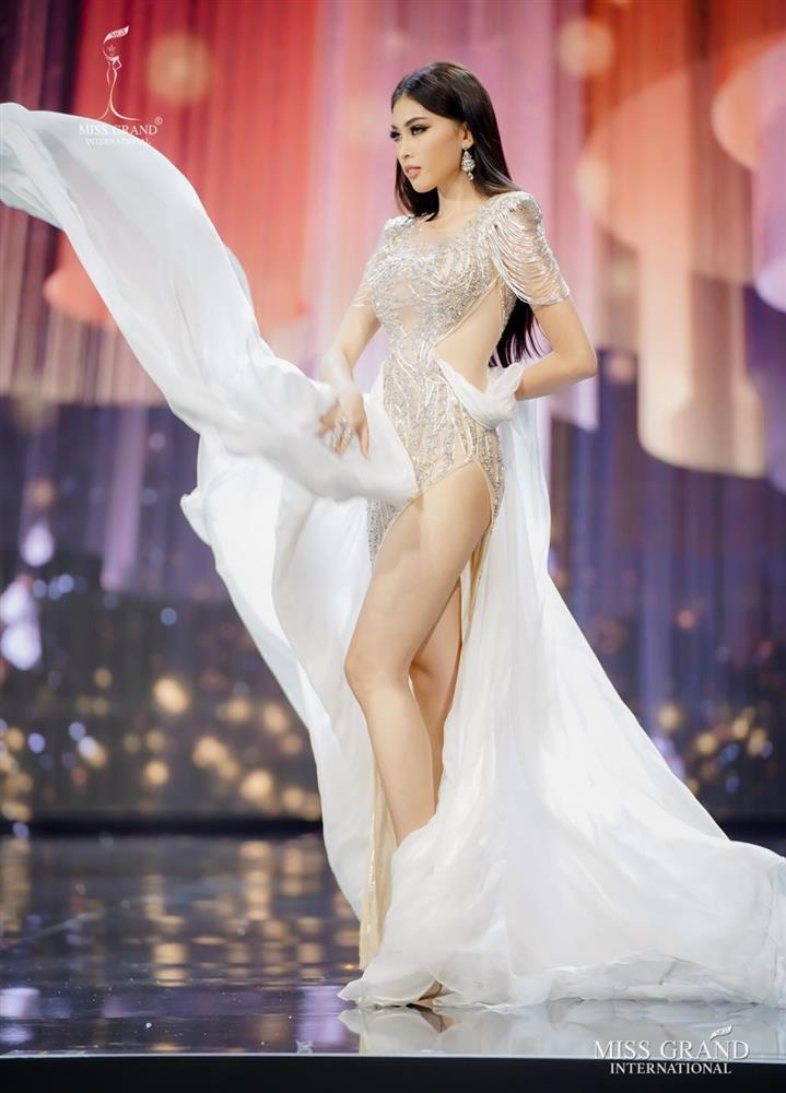 Ngọc Thảo đã không thể diễn váy dạ hội tuyệt đẹp tại Miss Grand-9