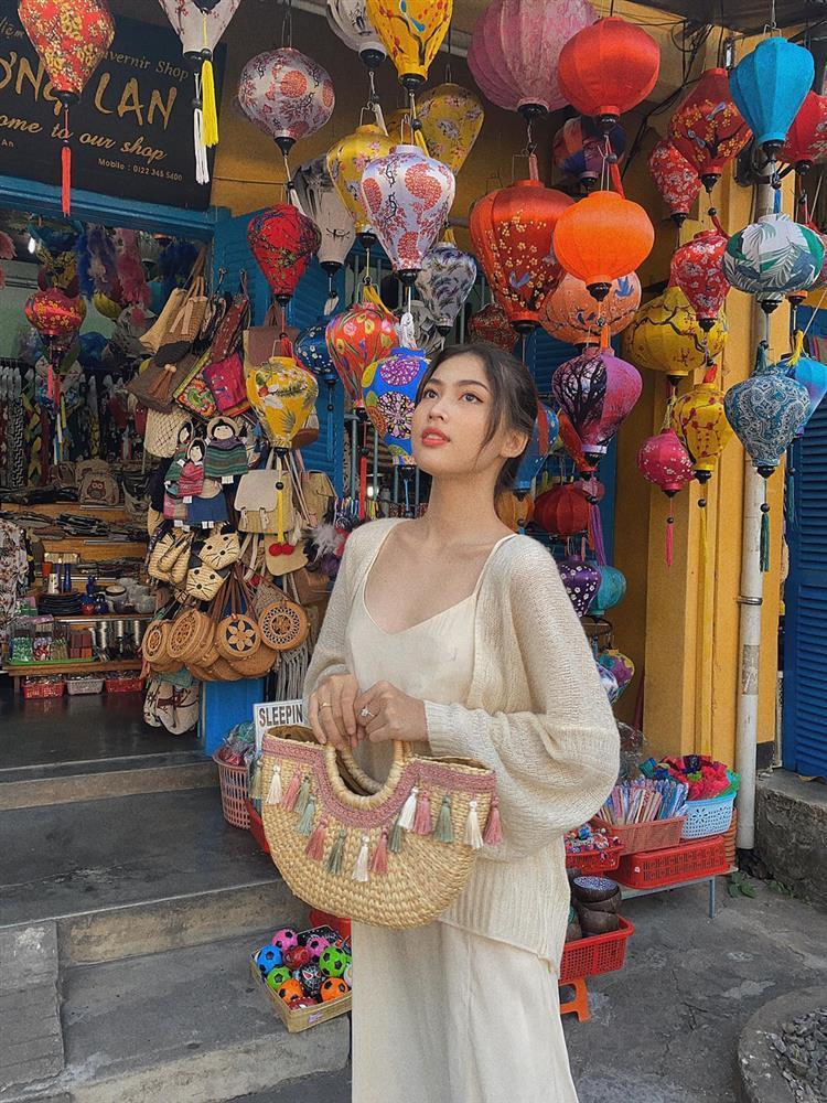 Top 20 Miss Grand Ngọc Thảo sở hữu style trẻ trung đúng tuổi 21-8