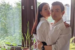 Cuộc sống tại Anh của người mẫu Chà Mi sau khi kết hôn