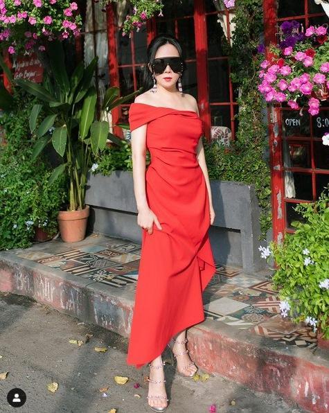 Chia tay Quách Ngọc Ngoan, gu thời trang Phượng Chanel lên hương-6