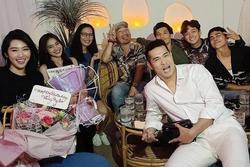 Trương Thế Vinh chiếm spotlight trong tiệc sinh nhật Thúy Ngân