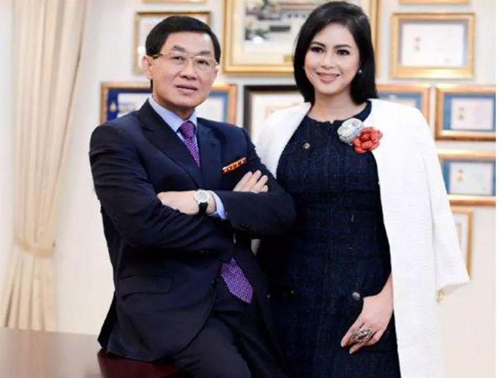 Bố chồng tỷ phú của Tăng Thanh Hà phong độ tuổi 70-2