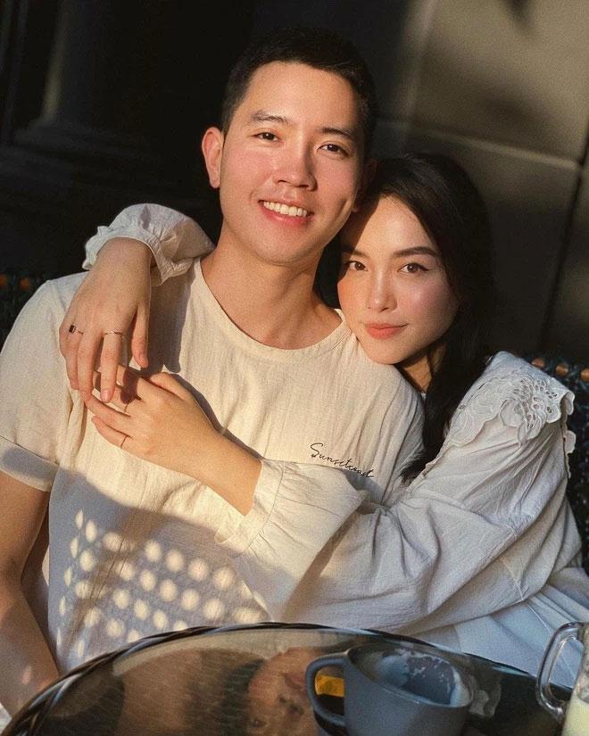 Cơ trưởng Quang Đạt để lộ mặt mộc bạn gái hot girl khác xa ảnh mạng-1