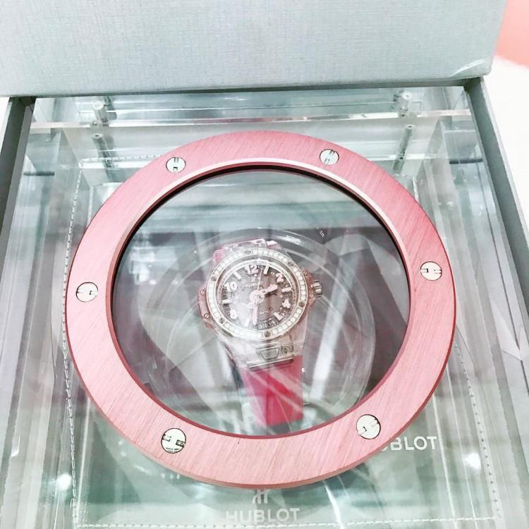 Ngắm bộ sưu tập đồng hồ 13 tỷ của Ngọc Trinh trước khi bị trộm xơi-5