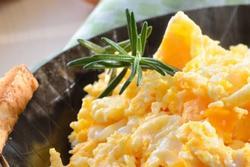 Mẹo làm trứng bác mềm mịn