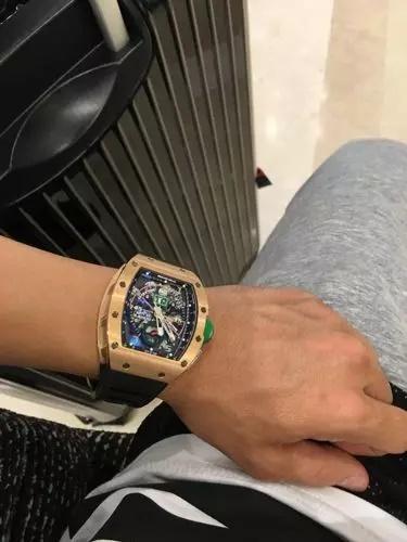 Minh Nhựa tậu đồng hồ hơn 7 tỷ tặng vợ hai-5