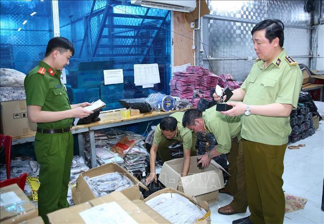 Triệt phá kho hàng giả, hàng nhái lớn nhất từ trước đến nay tại Ninh Bình-1