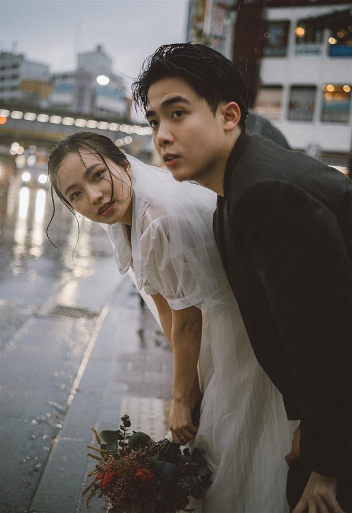 Cặp du học sinh Việt tại Tokyo chớp bộ ảnh cưới tuyệt đẹp dưới cơn mưa-1