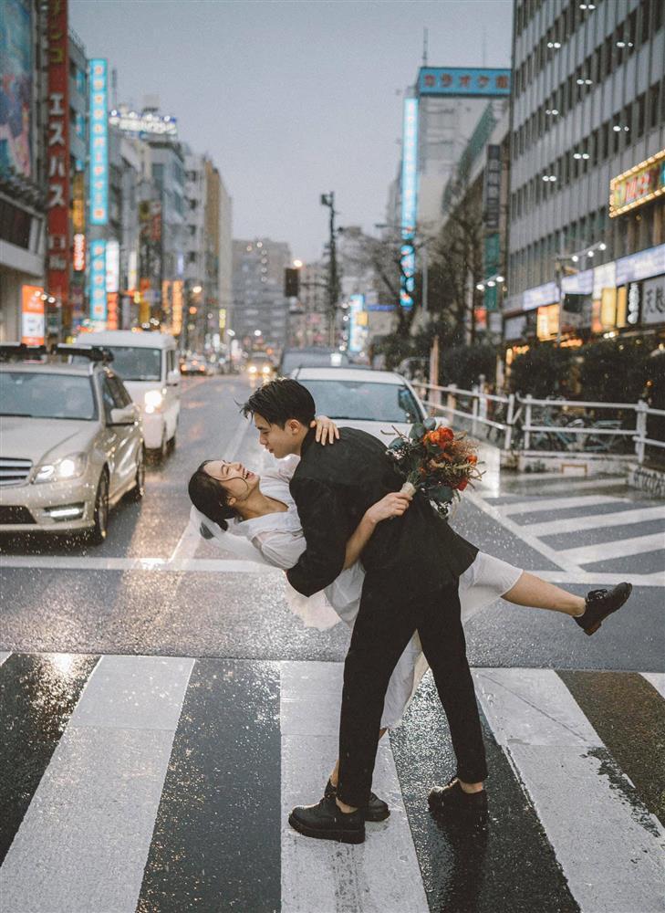 Cặp du học sinh Việt tại Tokyo chớp bộ ảnh cưới tuyệt đẹp dưới cơn mưa-2