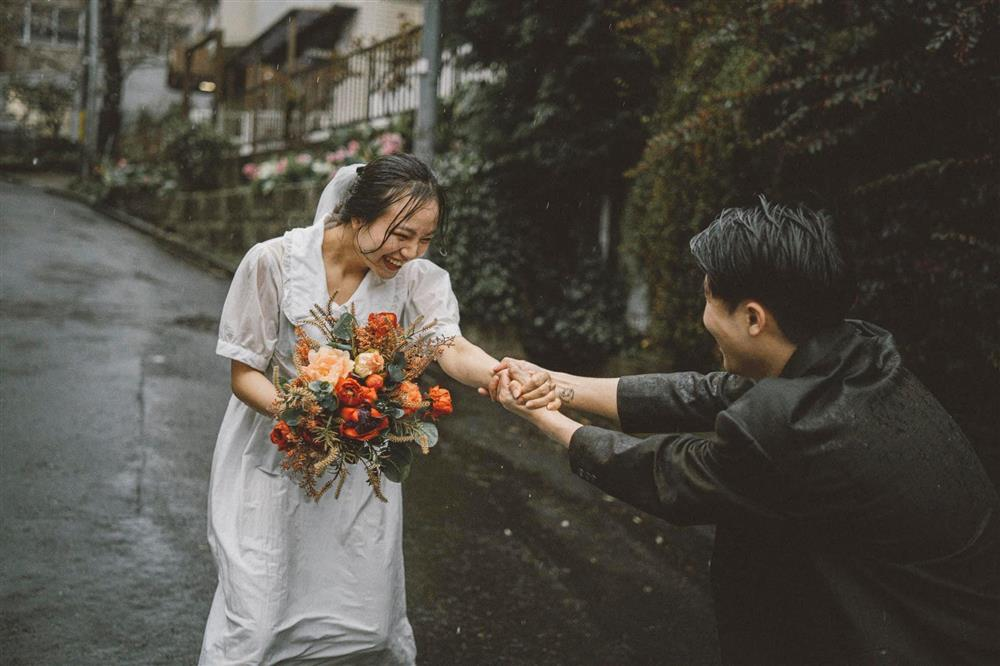 Cặp du học sinh Việt tại Tokyo chớp bộ ảnh cưới tuyệt đẹp dưới cơn mưa-5