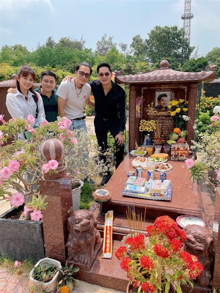 Dàn sao Việt tưởng nhớ 2 năm ngày Anh Vũ qua đời-6