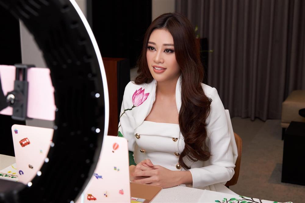 Thí sinh Miss Universe lên đường, Khánh Vân chưa có động tĩnh-4
