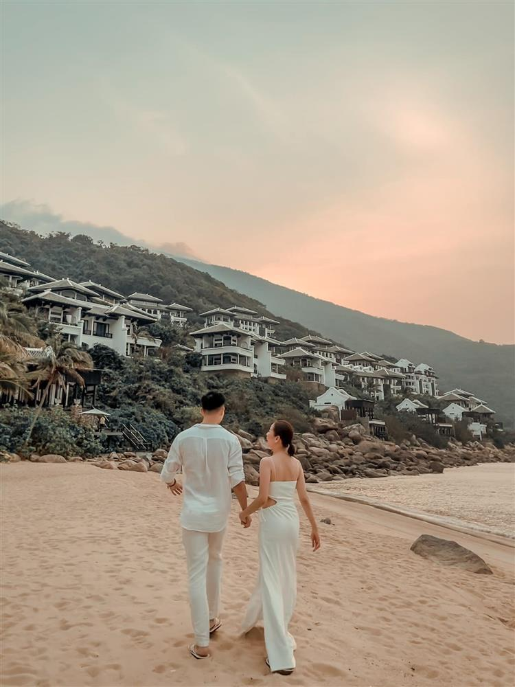 Sinh nhật Lệ Quyên trên bãi biển: Lâm Bảo Châu chiếm spotlight-2