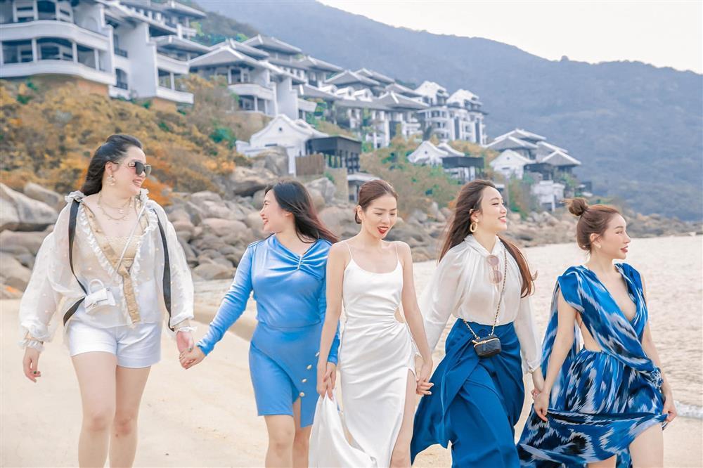 Sinh nhật Lệ Quyên trên bãi biển: Lâm Bảo Châu chiếm spotlight-5