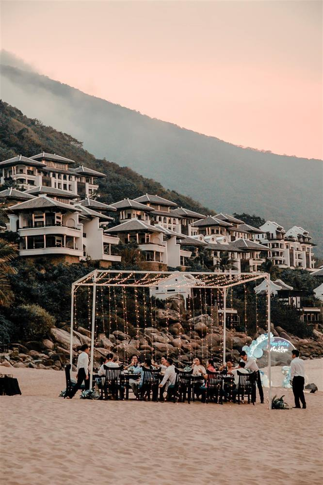 Sinh nhật Lệ Quyên trên bãi biển: Lâm Bảo Châu chiếm spotlight-8