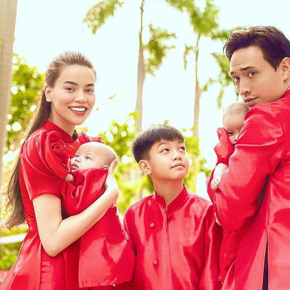 Thời trang đồng điệu xinh yêu của cặp sinh đôi Hồ Ngọc Hà - Kim Lý-4
