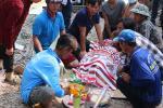 Sau tiếng nổ lớn trên phà chở 5 người, 1 người tử vong, 2 người bỏng nặng