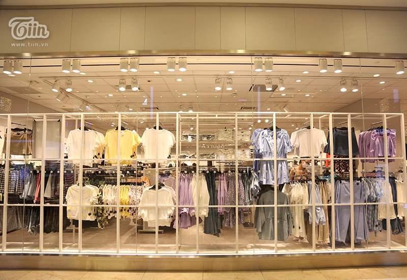 Khách hàng thưa thớt tại store H&M sau làn sóng tẩy chay-3