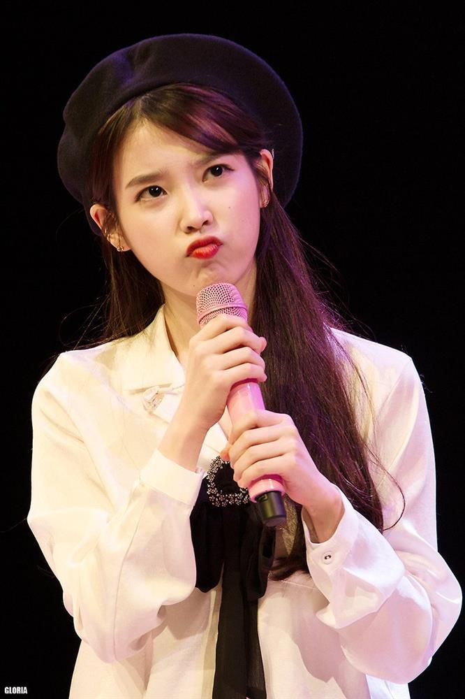 Cùng là một người nhưng Lee Ji Eun và IU chẳng có tính cách giống nhau-2