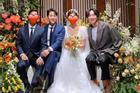 Song Joong Ki và Lee Kwang Soo dự đám cưới bạn thân