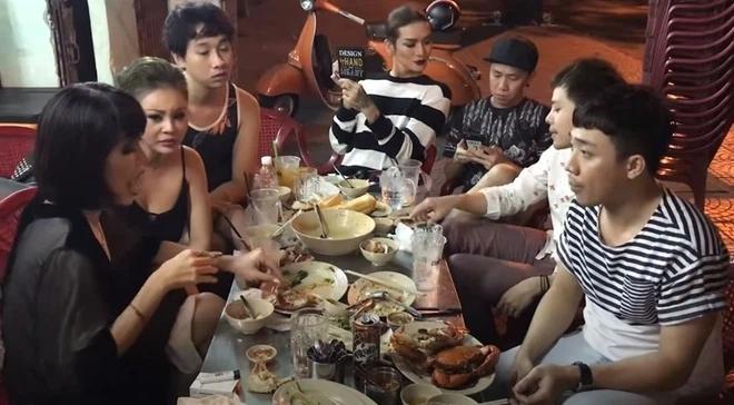 5 quán lề đường Sài Gòn đi ăn là dễ gặp người nổi tiếng như chơi-6