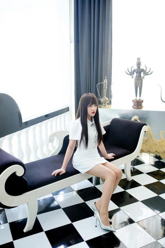 Không chỉ Hoài Linh, Duy Khánh cũng sở hữu chân nuột khó tin-5