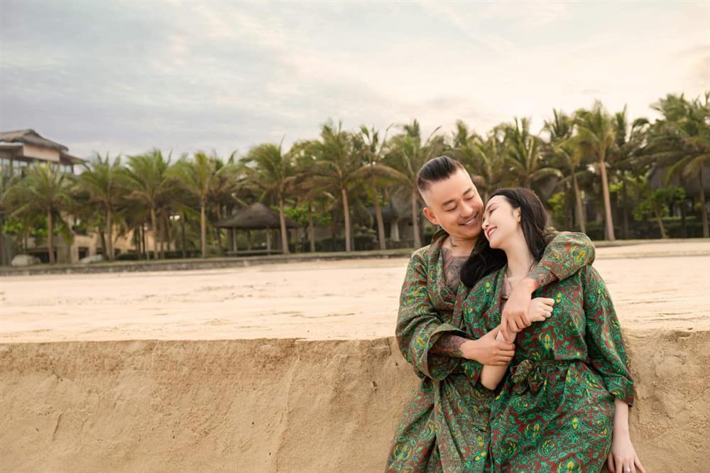 Vợ Tuấn Hưng kỷ niệm 7 năm cưới ngọt như mía lùi-1