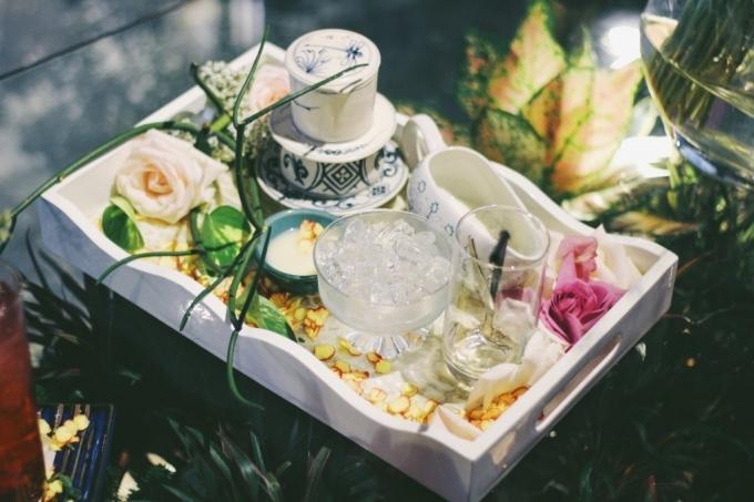 Đến quán cà phê đẹp ở Sài Gòn mà khách chỉ mải ngắm hoa là sao?-3