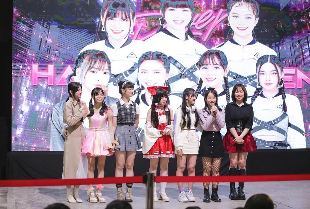 Sốc: Fan nhóm nhạc đông nhất Việt Nam chi tận 2 tỷ chỉ để bắt tay idol-7